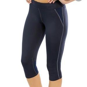 Oiselle Lesley Knicker Cropped Athletic Pants Sz M
